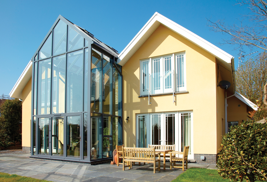 4a08e016974 i-build - Choosing the right glass extension for you