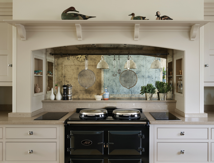 i-build - Martin Moore rearrange a kitchen to include stunning views