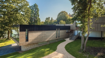 Knauf spray-applied plasters make light work of TV superhome